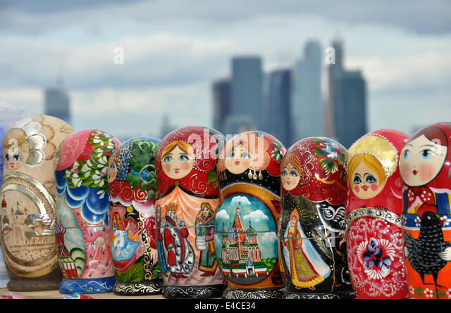 matryoshka dolls shop souvenir stockfotos matryoshka dolls shop souvenir bilder alamy. Black Bedroom Furniture Sets. Home Design Ideas