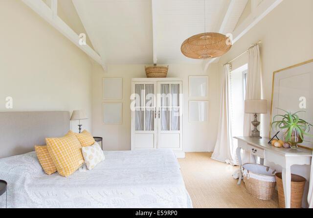 bed stockfotos bed bilder alamy. Black Bedroom Furniture Sets. Home Design Ideas