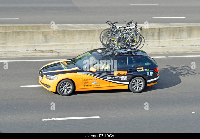 Bikes On Roof Rack Car Stockfotos Amp Bikes On Roof Rack Car