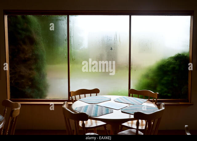 misted window stockfotos misted window bilder alamy. Black Bedroom Furniture Sets. Home Design Ideas