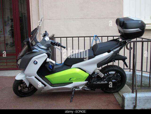 bike charging stockfotos bike charging bilder alamy. Black Bedroom Furniture Sets. Home Design Ideas