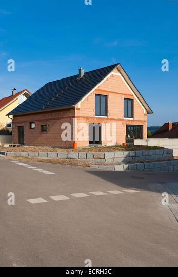 Einfamilienhaus stockfotos einfamilienhaus bilder alamy for Baustile einfamilienhaus