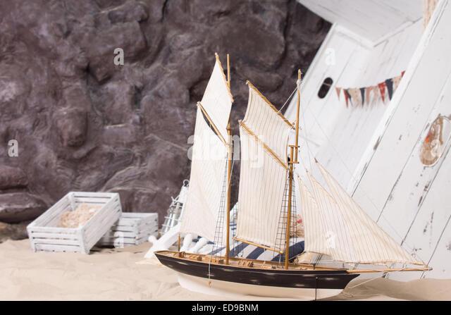 Wrecked yacht stockfotos bilder alamy