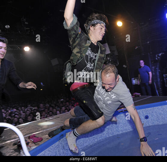 Union Perform Wet G A Y Pool Stockfotos Union Perform Wet G A Y Pool Bilder Alamy