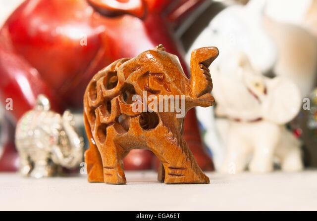 cartoon elephant cute stockfotos cartoon elephant cute bilder alamy. Black Bedroom Furniture Sets. Home Design Ideas