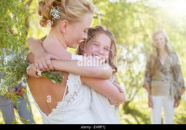 Bridesmaid white background stockfotos bridesmaid white - Hochzeitsfeier im garten ...