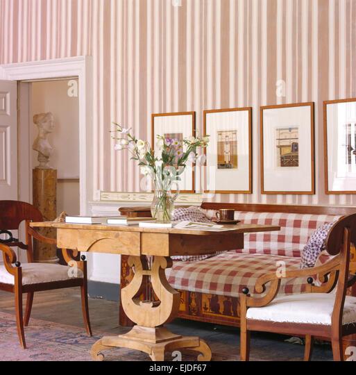 furniture biedermeier stockfotos & furniture biedermeier bilder, Wohnzimmer