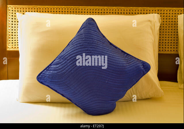 pillows stockfotos pillows bilder alamy. Black Bedroom Furniture Sets. Home Design Ideas