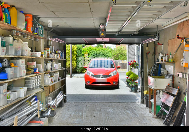 parking garage car door stockfotos parking garage car door bilder alamy. Black Bedroom Furniture Sets. Home Design Ideas