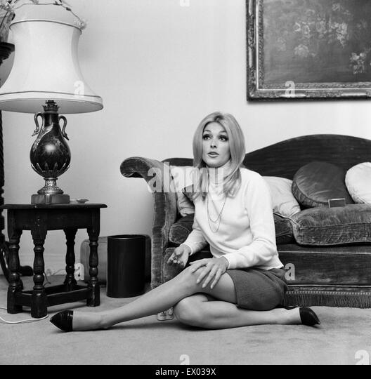 sharon tate murder stockfotos sharon tate murder bilder alamy. Black Bedroom Furniture Sets. Home Design Ideas
