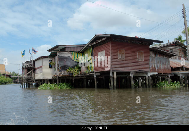 thailand bangkok house on river stockfotos thailand bangkok house on river bilder seite 3. Black Bedroom Furniture Sets. Home Design Ideas