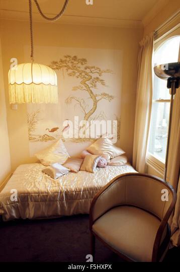 Lampshade stockfotos lampshade bilder alamy - Lampenschirm schlafzimmer ...