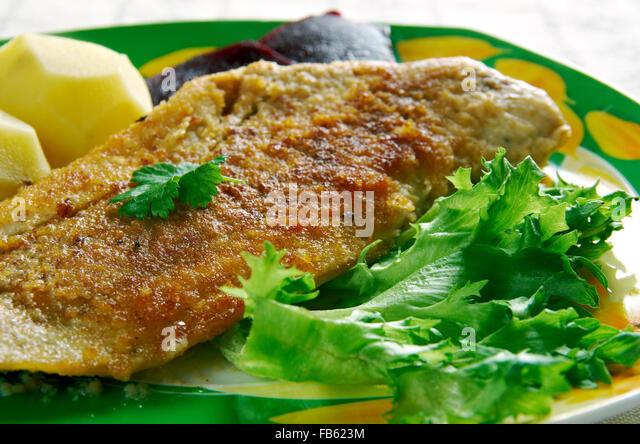 Gebakken Sliptong   Gebratener Fisch Seezunge. Niederländische Küche  Stockbild
