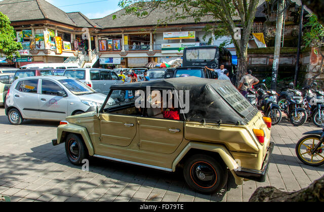ubud bali indonesia old car stockfotos ubud bali. Black Bedroom Furniture Sets. Home Design Ideas