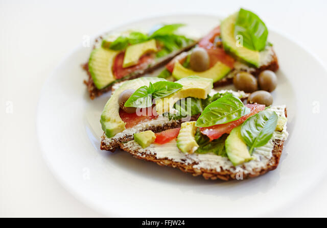 avocado starter stockfotos avocado starter bilder seite 3 alamy. Black Bedroom Furniture Sets. Home Design Ideas