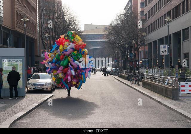 Luftballons stockfotos luftballons bilder alamy for Luftballons duisburg