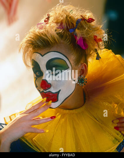 scary clown funny stockfotos scary clown funny bilder alamy. Black Bedroom Furniture Sets. Home Design Ideas
