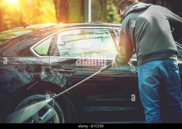 washer car cleaning stockfotos washer car cleaning bilder alamy. Black Bedroom Furniture Sets. Home Design Ideas