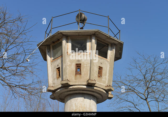 berlin watchtower potsdamer platz stockfotos berlin watchtower potsdamer platz bilder alamy. Black Bedroom Furniture Sets. Home Design Ideas