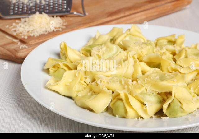 shot tortellini stockfotos shot tortellini bilder seite 2 alamy. Black Bedroom Furniture Sets. Home Design Ideas