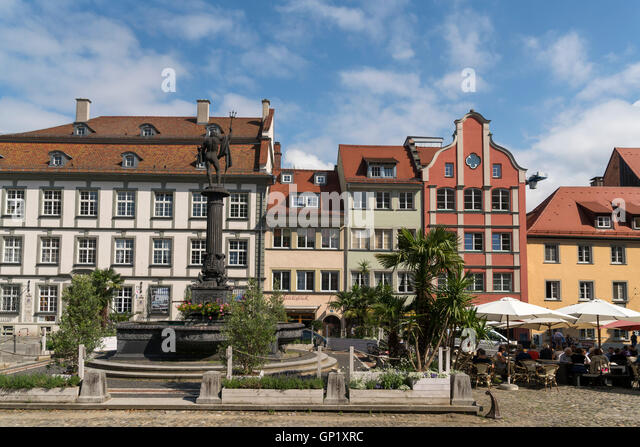 marktplatz brunnen stockfotos marktplatz brunnen bilder alamy. Black Bedroom Furniture Sets. Home Design Ideas