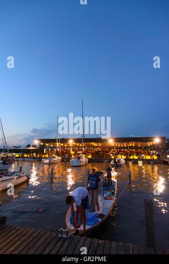 Mole west innen  Bar Mole West Stockfotos & Bar Mole West Bilder - Alamy