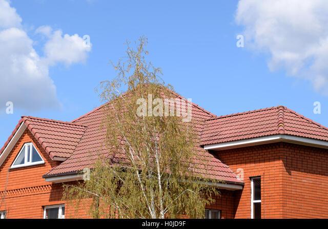 shaped roof tiles stockfotos shaped roof tiles bilder alamy. Black Bedroom Furniture Sets. Home Design Ideas