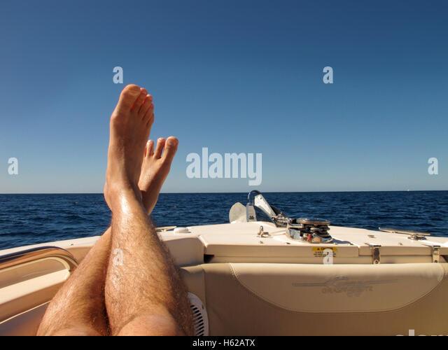 relax mans feet stockfotos relax mans feet bilder alamy. Black Bedroom Furniture Sets. Home Design Ideas