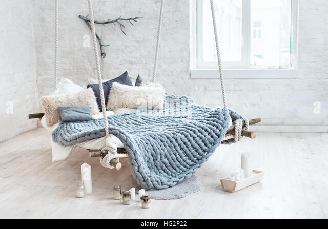 cushion white linen stockfotos cushion white linen bilder alamy. Black Bedroom Furniture Sets. Home Design Ideas