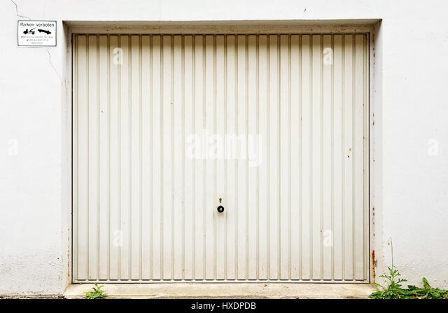 Garagentorbilder  Garagentor Stockfotos & Garagentor Bilder - Alamy