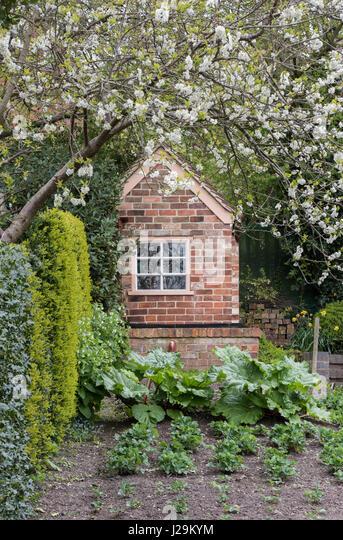 brick shed stockfotos brick shed bilder alamy. Black Bedroom Furniture Sets. Home Design Ideas