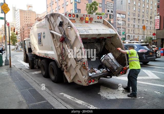 new york sanitation truck stockfotos new york sanitation. Black Bedroom Furniture Sets. Home Design Ideas