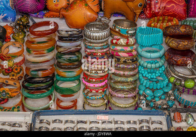 Boutique shopping souvenirs stockfotos boutique shopping for Michaels crafts stockton ca