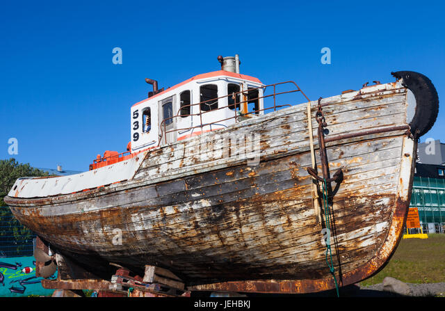 old tug boat stockfotos old tug boat bilder alamy. Black Bedroom Furniture Sets. Home Design Ideas