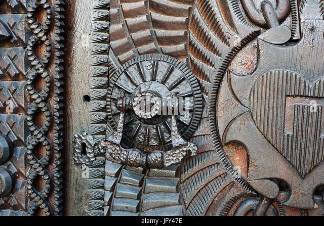 iron church door hinge stockfotos iron church door hinge bilder alamy. Black Bedroom Furniture Sets. Home Design Ideas