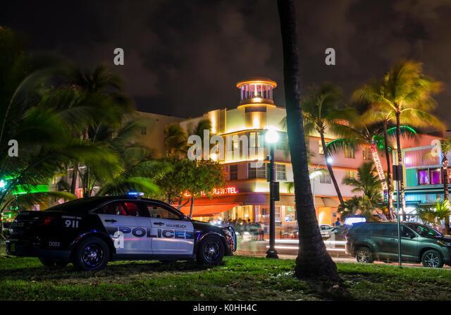 police car usa night stockfotos police car usa night bilder alamy. Black Bedroom Furniture Sets. Home Design Ideas