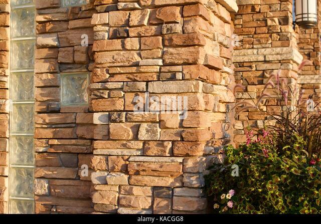 glass bricks stockfotos glass bricks bilder alamy. Black Bedroom Furniture Sets. Home Design Ideas