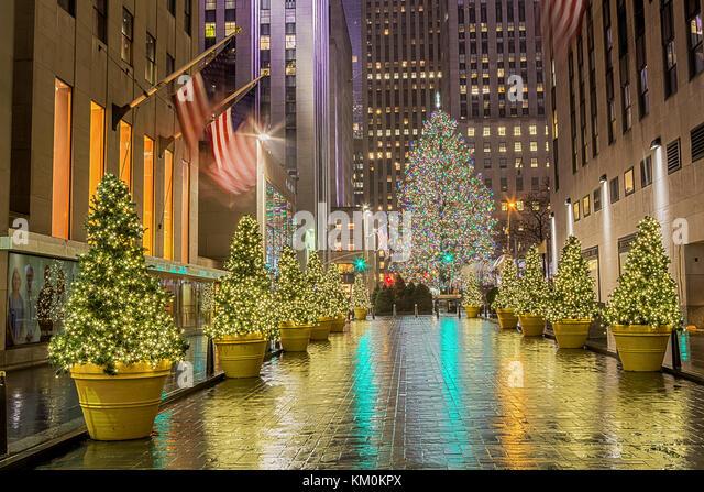Fifth avenue new york christmas stockfotos fifth avenue new york christmas bilder alamy - Weihnachtsbaum rockefeller center ...