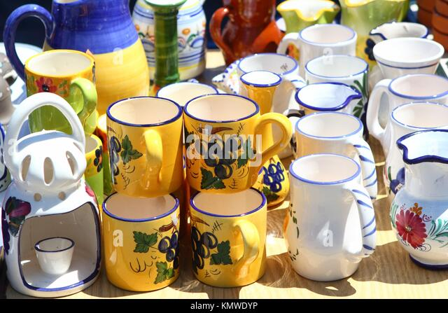 spanish pottery jug stockfotos spanish pottery jug bilder alamy. Black Bedroom Furniture Sets. Home Design Ideas