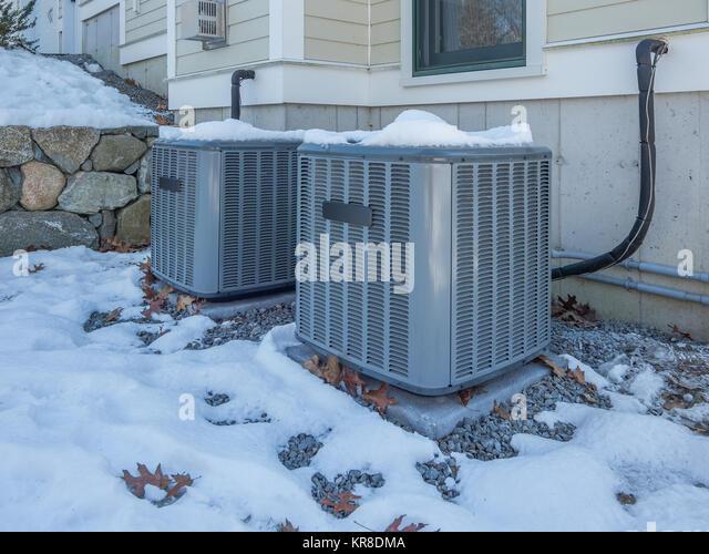 industrial cooling system stockfotos industrial cooling system bilder alamy. Black Bedroom Furniture Sets. Home Design Ideas