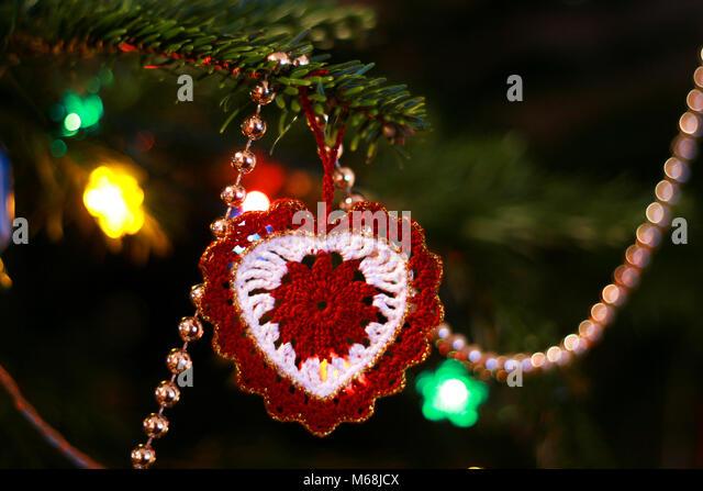 Handgefertigte Roten Und Weissen Herzformigen Christbaumschmuck