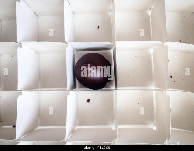 Empty Box Of Sweets Stockfotos & Empty Box Of Sweets Bilder - Alamy