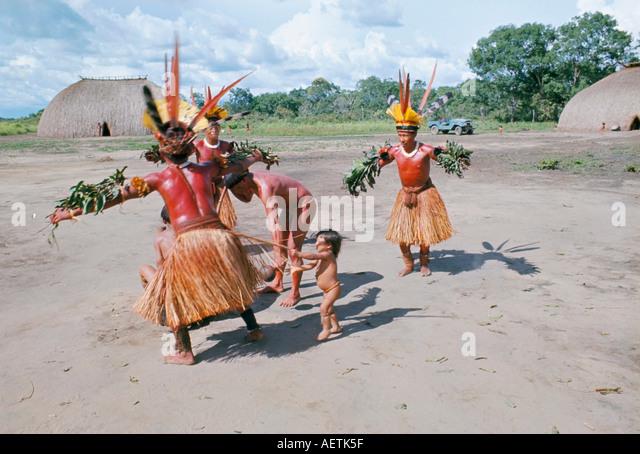 viaje indio bailando