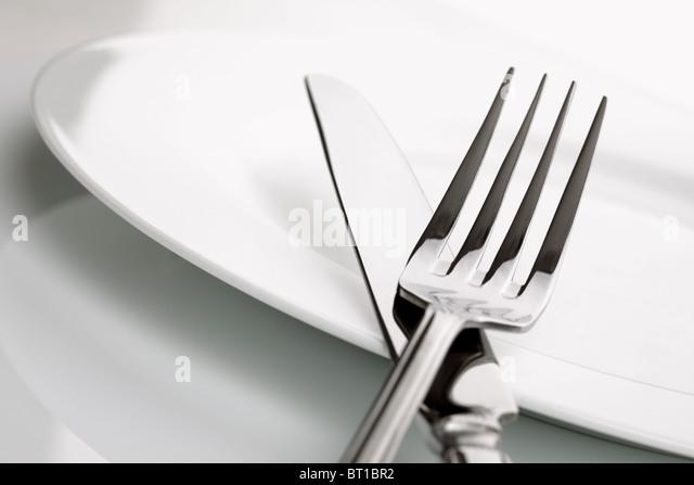 Fork im genes de stock fork fotos de stock alamy for Plato tenedor y cuchillo