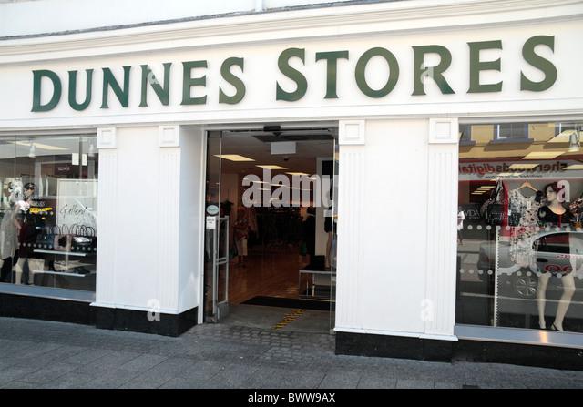 Stores Retailing Imágenes De Stock & Stores Retailing Fotos De Stock ...