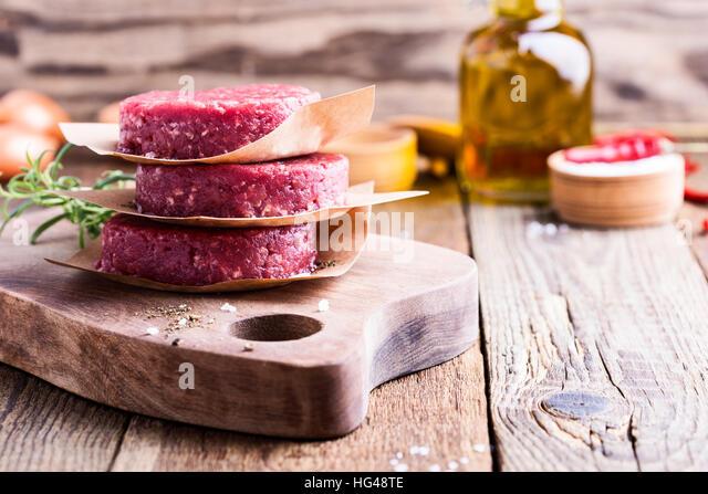 Raw im genes de stock raw fotos de stock alamy - Empanelados de madera ...