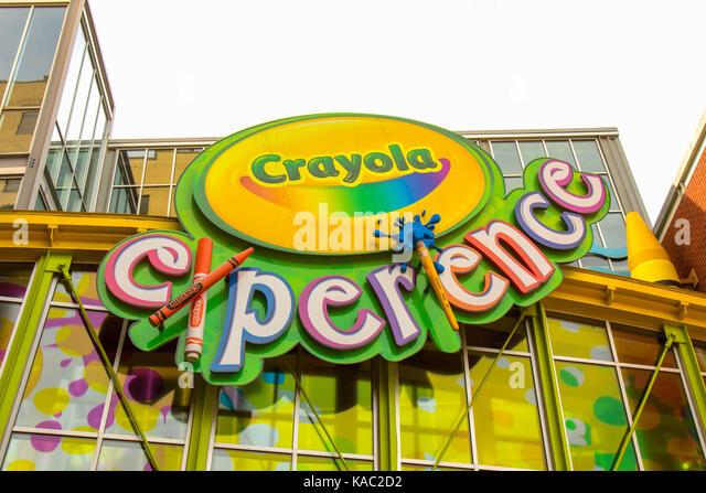Crayola Factory Imágenes De Stock & Crayola Factory Fotos De Stock ...