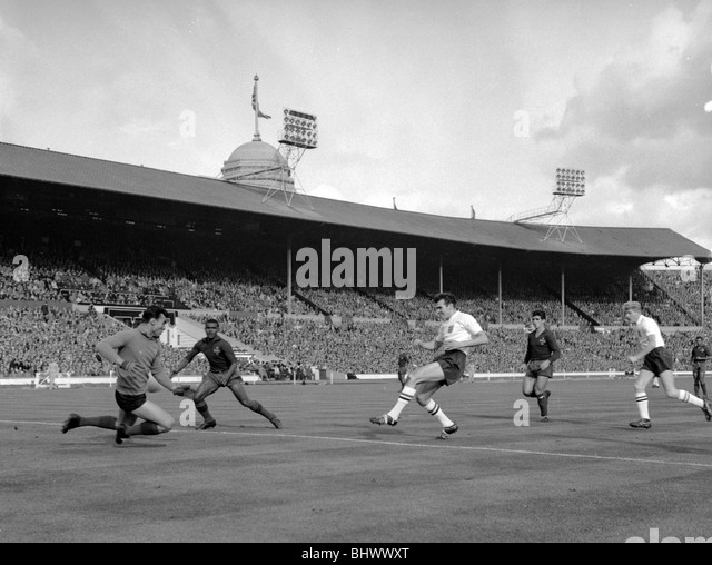 Sport football action 1960s photos sport football action - Portugal qualification coupe du monde ...